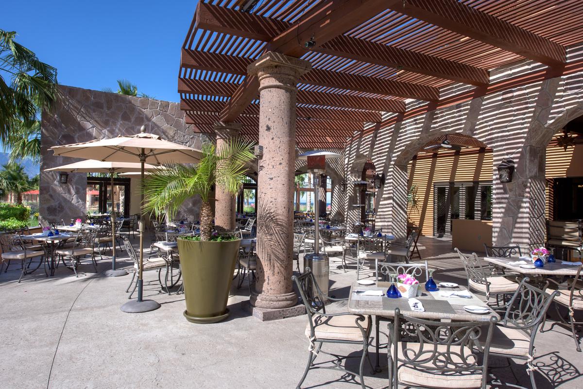 Market Restaurant Villa Del Palmar Loreto